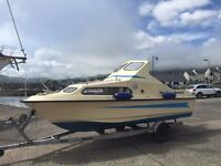 A superb Shetland 570 boat (5m 70cm) with Mercury 115hp engine and trailer!