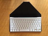 Apple Wireless Keyboard and incase iPad workstation