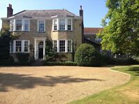 LIVE-IN COUPLE - HOUSEKEEPER/GARDENER - NEAR SEVENOAKS, KENT