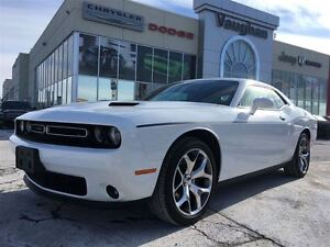 2016 Dodge Challenger SXT * LEATHER * POWER SUNROOF * 20100 KMS