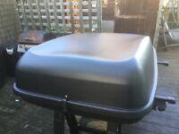 Roof Box and Bars for Kia Sedona