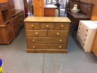 A BEAUTIFUL SOLID OLD PINE CHEST OF 7 DRAWERS