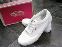 Mens White Atwood Vans, Size 8
