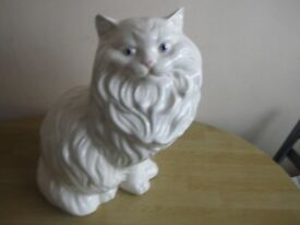 LARGE WHITE CAT ORNAMENT. 36CMS HIGH 25W 25 DEEP.