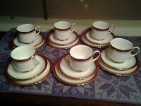 Royal albert 18 pice tea set paragon