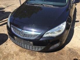 Vauxhall Astra 1.3 CDTi ecoFLEX 16v Exclusiv black(10 - 12) complete front end