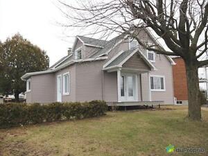 199 900$ - Maison 2 étages à vendre à Drummondville