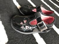 Girls Clarks Shoes Size 4E