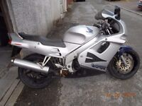 HONDA VFR750 1995 28000 MILES TIDY LOOKING BIKE NEED IT GONE WITH A LOOK