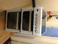 35cm ceramic double oven,suit small kitchen.less than 2 yrs old