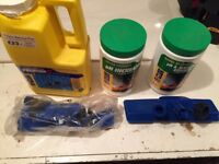 Sundry swimming pool chemicals & cleaning tools