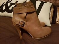 Ladies new boots size 6