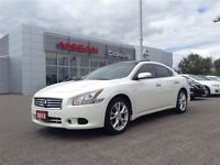 2013 Nissan Maxima 3.5 SV Panoramic roof, low kms