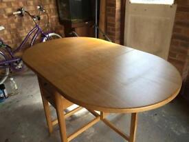Oak dining table seats 6 people