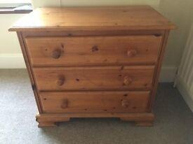 Dresser draws - solid wood