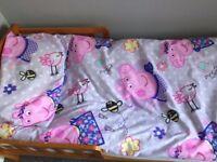 Peppa Pig Toddler Bed set + Curtains