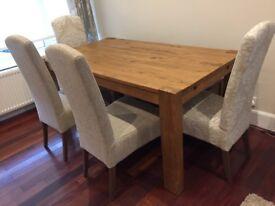 NEXT Hartford extendable dining table set