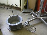 HIGHLY DECORATIVE GALVANIZED METAL BICYCLE PLANT POT HOLDER $40