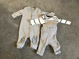 Up to 1 month outfits