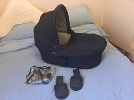 Mamas and papas carrycot for sola/urbo/zoom inc maxi cosi car seat adapters