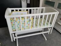 mothercare deluxe crib - white+++BRAND NEW 10 DAYS OLD £275 RETAIL PRICE....SELL ONLY £85...HURRY ..