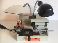 THM X-Bolt Key Cutting Machine *SMART&NEW*