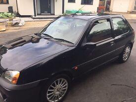Black Ford Fiesta zetec