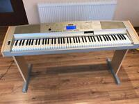 YAMAHA Portable Grand DGX-500 Piano