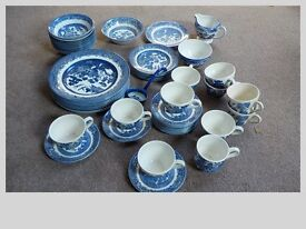 BLUE WILLOW ASSORTED PLATES, BOWLS, CUPS AND SAUCERS