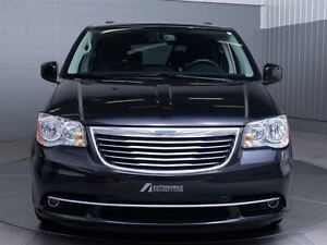 2015 Chrysler Town & Country LIMITED STOW N' GO MAGS TOIT CUIR N West Island Greater Montréal image 2