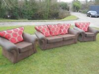 Modern 3+1+1 Sofa Suite With Reversible Cushions