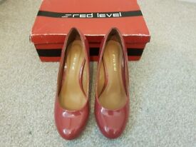 Red Level shoe