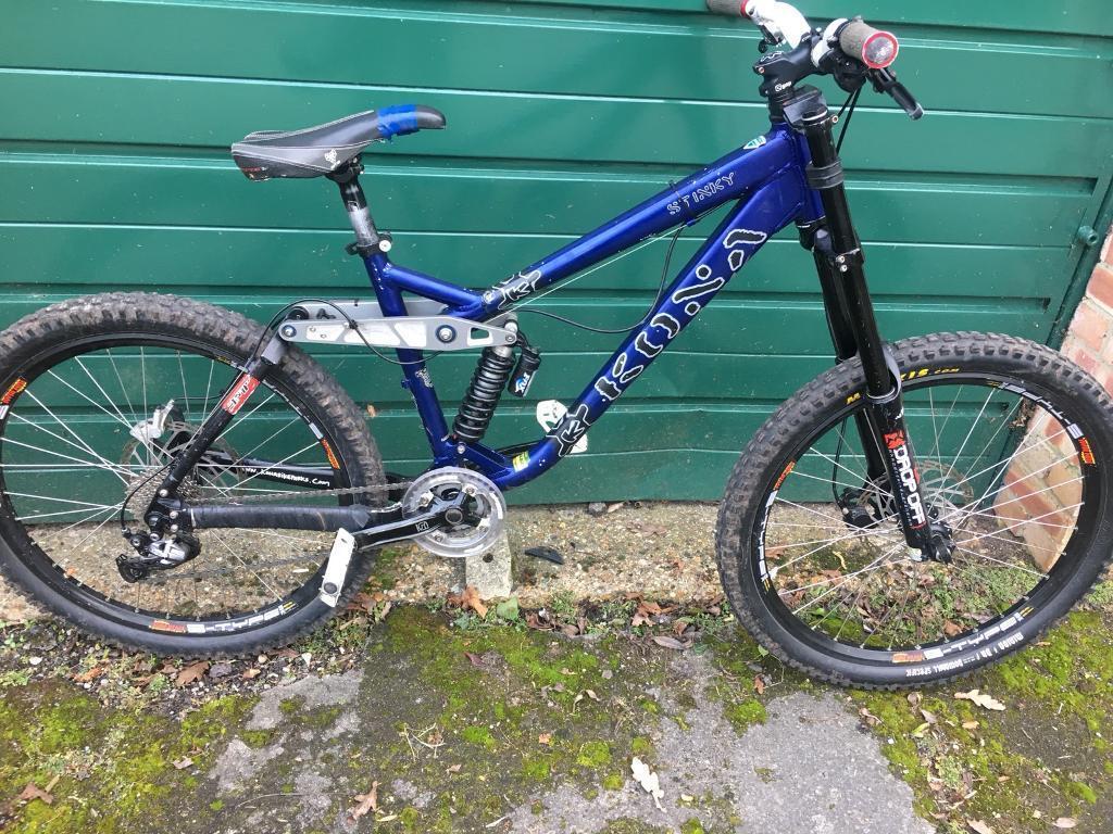 cad37d7fa5d Kona stinky downhill bike   in Farnham, Surrey   Gumtree