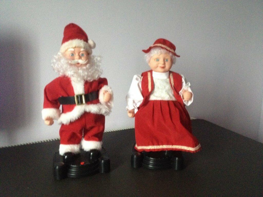 Christmas Large Singing / Dancing Santa and Mrs Santa Infrared like new batteries included
