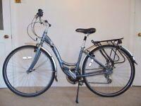"Aluminium Trek Navigator T30 (16""/18"" frame) Hybrid/Commuter/City/Dutch Bike"