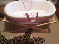 moses basket with accessories