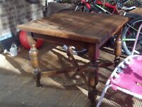 Vintage oak table - square - with pull-out leaves