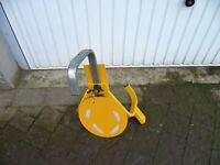 caravan or trailer wheel clamp