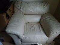 Cream leather armchair - Free