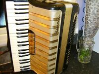 HOHNER 120 BASS PIANO ACCORDION WITH CASE