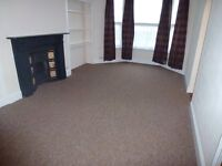 Spacious, one bedroom flat with sea views, £495 pcm, GCH, in quiet house.