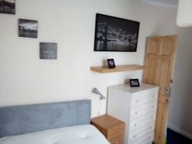 Beautiful room for rent - 1 week deposit only