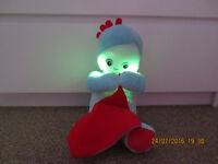 IN THE NIGHT GARDEN IGGLE PIGGLE LULLABY SOFT MUSICAL LIGHT UP PLUSH TOY
