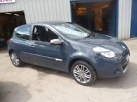 Stunning Renault CLIO Dynamique Tomtom,3 door hatchback,FSH,runs and drives as new,Sat Nav,only 49k