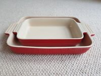 Le Creuset Set of 2 Red & Cream Oven Roasting Dishes for Roast