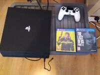 PS4 PRO 1TB, 1 Controller and 2 Games
