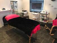 Treatment room to rent £25pd Saturday-Monday