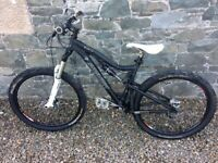 Full suspension mountain bike Santa Cruz blur LT small