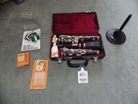 Clarinet - Student Jupiter B flat JCL 631 SMTO - Black wood effect. Inc case, reeds and clean kit