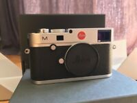Leica M240 Mirrorless digital camera (Mint condition + boxed) Extra battery/EVF FINDER/strap